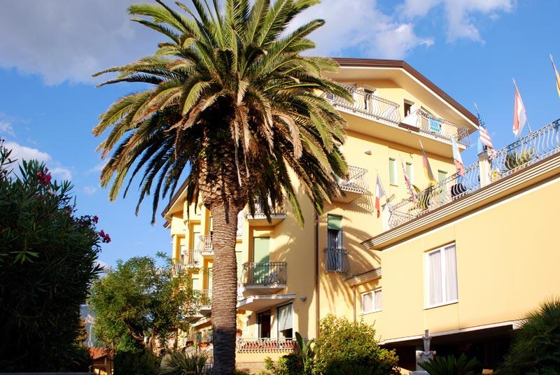 Hotel VillaTiziana*** Massa